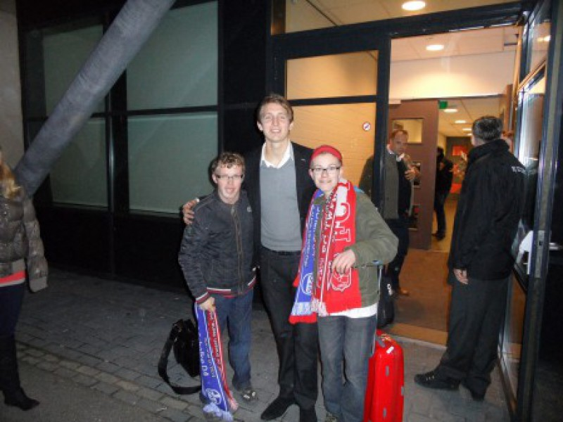 Pascal en Emiel als VIPs bij FC Twente