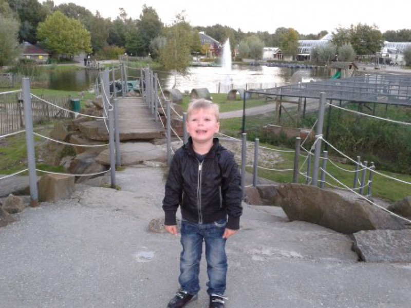 Damian in Center Parcs en Plopsaland
