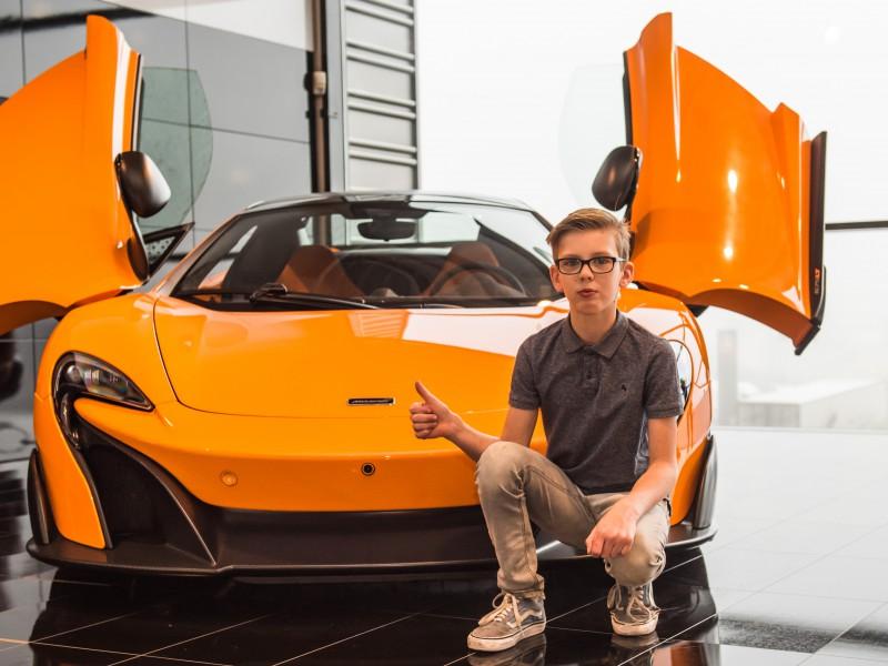 Twan: eindelijk, rijden in een Ferrari!