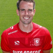 Gesigneerd FC Twente-shirt van Wout Brama + VIP-arrangement voor 2 personen bij een wedstrijd van FC Twente