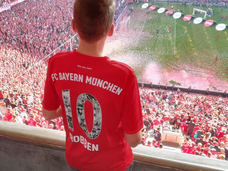 Stijn op bezoek bij Bayern München in de Allianz Arena in München